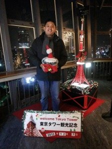 Di sela-sela program Japan-ASEAN-Oceanian Student & Youth Exchange di Jepang, saya berkesempatan mengunjungi Tokyo Tower
